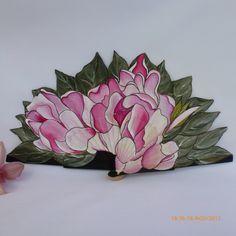 Abanico de diseño de madera y tela pintado a mano