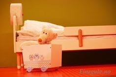 #Gummigulv #orange #artigo #barnerom Toddler Bed, Furniture, Home Decor, Child Bed, Decoration Home, Room Decor, Home Furnishings, Home Interior Design, Home Decoration