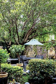 1. Foley House Inn - The South's Best Inns 2017 - Southernliving. Savannah, Georgia: BOOK IT  When you can leave the inn and take a leisurely stroll to Forrest Gump's famed bench on Chippewa Square, you know you're in a prime spot in the Historic District.  RELATED: The South's Best Inn 2017: Foley House Inn