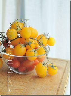 Yellow cherry tomatoes /Pomodori ciliegina gialli