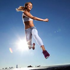 Fast Belly Blast: Shaun T's Abs Workout Round Begins Now! - Fitnessmagazine.com