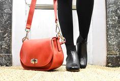 #Look du mois de #janvier ! Avec les Cara vernis noir et le sac Bux mangue !  #ootd #fashion #bag #shoes
