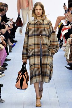 Chloé Fall 2012 Ready-to-Wear Collection Slideshow on Style.com