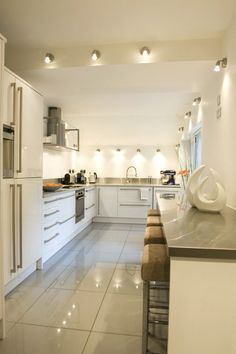 Modern kitchen via Simply Grove