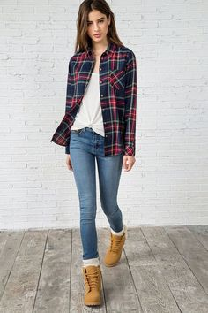 Timberland Winter Outfits Timberland Winter Outfits Timberland Outfits for Women<br> Mode Outfits, Fashion Outfits, Womens Fashion, School Outfits, Fashion Trends, Looks Style, Casual Looks, Timberland Outfits Women, Timberland Boots Outfit