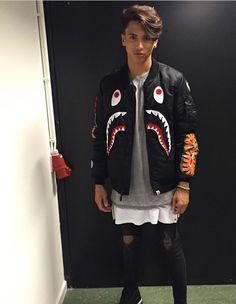 Luca gilliot Grunge Fashion, Mens Fashion, Street Wear, Men Street, Mens Suits, Beautiful Men, Christmas Sweaters, Classy, Grills