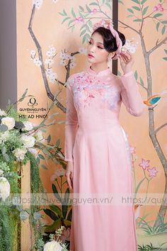 Ao Dai Vietnam, Traditional Gowns, Vietnamese Dress, Long Dresses, Formal Dresses, Dream Wedding, Satin, Baby, Fashion