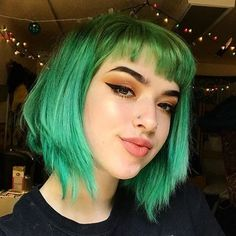 Image discovered by ♡Only Girls♡. Find images and videos about green, piercing and short hair on We Heart It - the app to get lost in what you love. Scene Hair Bangs, Long Scene Hair, Medium Scene Hair, Curly Hair Styles, Hair Medium, Medium Hair Styles, Braided Hairstyles Updo, Updo Hairstyle, Green Hair