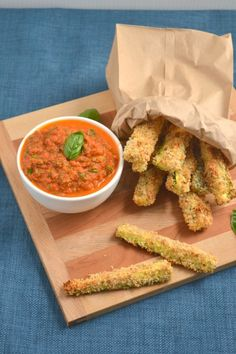 Baked Zucchini Fries with Marinara Dipping Sauce - Food Doodles