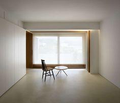 Una vivienda que mira al Mediterráneo y al río Algar… La idea es crear un espacio diáfano pero convertible, donde los momentos dedicados al uso privado y al ...