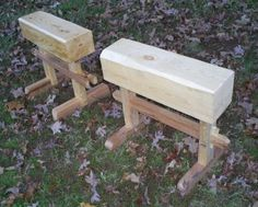 I stopped by a local saw mill and saw a bunch of these short thick blocks of pine. I knew right when I saw them what they were for: saw horses. I tried a tusked tenon on the first and then. Portable Workbench, Woodworking Workbench, Fine Woodworking, Woodworking Projects, Mobile Workbench, Japanese Tools, Japanese Woodworking, Saw Horse Table, Old Tool Boxes
