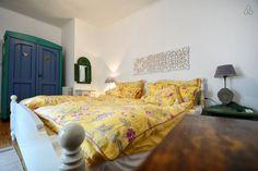 Schau Dir dieses großartige Inserat bei Airbnb an: Stanley Vintage Studio Apartment - Apartments zur Miete in Poreč Studio Apartments, Vintage, Bed, Room, Furniture, Home Decor, Ad Home, Bedroom, Stream Bed