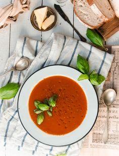 Täydellisen tomaattikeiton valmistus – Viimeistä murua myöten Veggie Recipes, Soup Recipes, Recipies, Veggie Food, Plant Based Diet, Cooking Classes, Yummy Drinks, Food Inspiration, Thai Red Curry