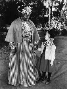 The Little Colonel 1935 Shirley Temple Hattie McDaniel Photo Reproduction Hollywood Images, Hollywood Walk Of Fame, Golden Age Of Hollywood, Hollywood Stars, Classic Hollywood, Hollywood Actresses, Actors & Actresses, Temple Movie, Hattie Mcdaniel
