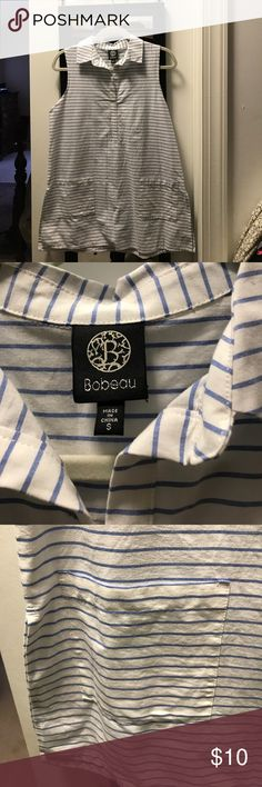 Blouse Adorable blue and white stripes with front pockets. Tunic type blouse bobeau Tops Blouses