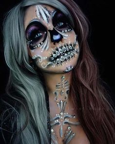 Scary and glam skeleton makeup for women to rock the Halloween. Scary and glam skeleton makeup for women to rock the Halloween. Halloween Makeup Witch, Halloween Film, Halloween Looks, Scary Halloween, Maquillage Sugar Skull, Maquillage Halloween Simple, Sally Nightmare Before Christmas, Nyx Cosmetics, Sugar Skull Makeup