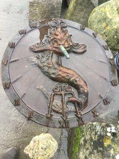 Cast iron sundial Cast Iron, It Cast, Sundial, Lion Sculpture, Statue, Architecture, Art, Arquitetura, Art Background