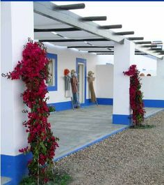 Pintura Exterior, Alcacer Do Sal, At Home Abs, Porche, Exterior Paint, My Dream Home, Countryside, Outdoor Structures, Decoration