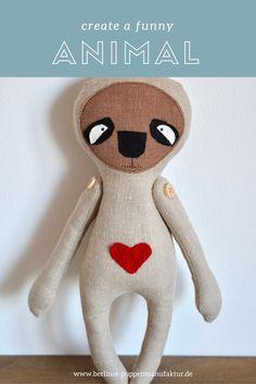 Faultier aus Leinen und Baumwolle. Handgemacht in der Berliner Puppenmanufaktur Handmade Funny Animal