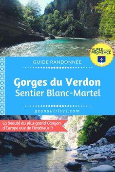 Le sentier Blanc-Martel est au fond du plus grand canyon d'Europe : les Gorges du Verdon. Tout au long de la randonnée, vous êtes entourés par les falaises, parfois au bord de l'eau, parfois un peu plus en hauteur, mais dans tous les cas, dans un cadre magique. On vous détaille cette randonnée dans cet article ! ;)