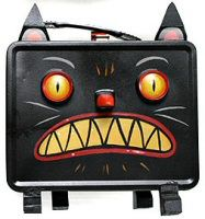 Upcycle an old lunchbox Halloween black cat DIY - Lunch Ideas Halloween Items, Halloween Boo, Holidays Halloween, Halloween Crafts, Happy Halloween, Vintage Halloween Images, Vintage Halloween Decorations, Statues, Vintage Lunch Boxes