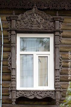 Томск, деревянный оконный наличник №4