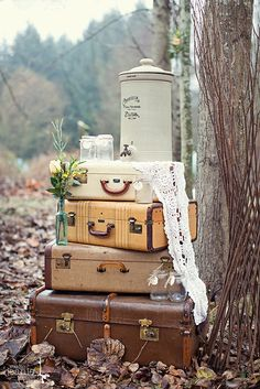 vintage suitcase lace wedding decor idea