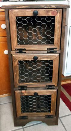 Potato Storage Bin - Chicken Wire - Flat Top  I love it so much, I'm making it this weekend!