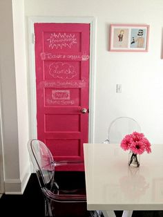 Puerta en color rosa chicle