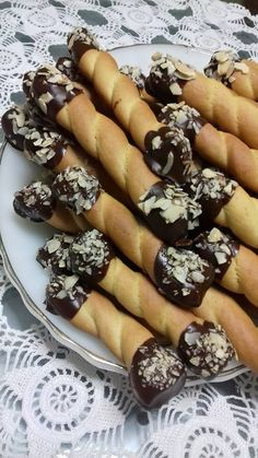 Greek Sweets, Greek Desserts, Greek Recipes, My Recipes, Dessert Recipes, Cooking Recipes, Favorite Recipes, Easter Recipes, Cupcake Cookies