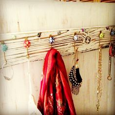 simplylisa1 photo: DIY Jewelry & Scarf Holder >> #WorldMarket Doorknobs