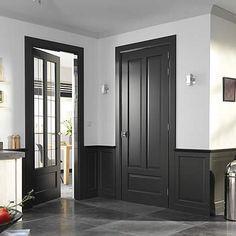 interior through and butt walls Dark Doors, Grey Doors, Windows And Doors, Black Trim Interior, Interior Door Trim, Dark Trim, Grey Trim, White Trim, Dark Interiors