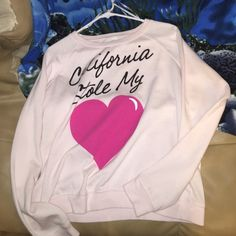 California stole my heart crew neck Great condition Forever 21 Sweaters Crew & Scoop Necks