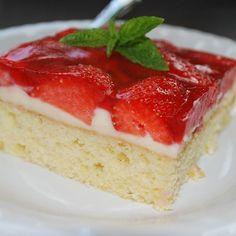 Erdbeer-Schnitten vom Blech Rezept | Küchengötter