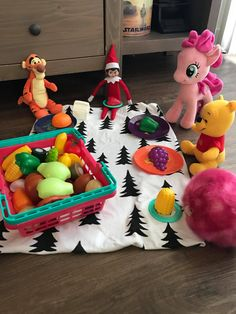 We are only two weeks away from December which means its time for Elf on the Shelf! These our favorite Elf on the Shelf ideas for the holiday season. Noel Christmas, Christmas Elf, Christmas Crafts, Christmas Decorations, Christmas Activities, Christmas Traditions, Awesome Elf On The Shelf Ideas, Elf On The Shelf Ideas For Toddlers, Shelf Inspiration