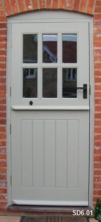 painted stable door perfect for utility onto garden - Modern Cottage Front Doors, Cottage Door, House Doors, Garage Doors, External Doors, Country Farmhouse Decor, Farmhouse Furniture, Country Chic, Furniture Decor