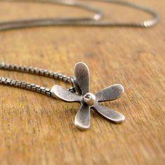 Sweet flower necklace