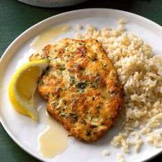 Chicken piccata in lemon sauce. Once you've tried this tangy, yet delicate lemon chicken piccata, you won't hesitate to make it for company. Seasoned with parmesan and parsley, the chicken cooks up golden brown, then is drizzled … Pollo Piccata, Piccata Sauce, Lemon Chicken Piccata, Lemon Sauce For Chicken, Butter Chicken, Breast Recipe, Stuffed Hot Peppers, Mediterranean Recipes, Salads