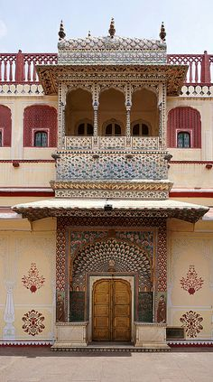 India-Golden Triangle Tours Package: Best Places To Visit Jaipur India Architecture, Ancient Architecture, Amazing Architecture, Gothic Architecture, Art Nouveau, City Palace Jaipur, Super Pictures, Amazing India, Les Religions