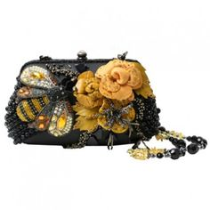 Mary Frances All Abuzz Bumble Bee Floral Beaded Handbag Purse Mary Frances Purses, Mary Frances Handbags, Beaded Purses, Beaded Bags, Beaded Clutch, Vintage Purses, Vintage Handbags, I Love Bees, Bees Knees