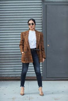 We're bringing you the latest street style looks from New York fashion week,… - https://www.luxury.guugles.com/were-bringing-you-the-latest-street-style-looks-from-new-york-fashion-week-145/
