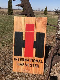 Items similar to International Harvester- Wood Sign- Reclaimed Pallet Wood- IH- Tractor- Farming- CASE IH on Etsy Tractors For Kids, Case Tractors, Farmall Tractors, Recycled Pallets, Wood Pallets, Pallet Wood, Pallet Ideas, Rustic Signs, Wooden Signs