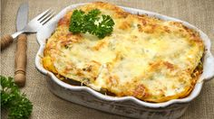 Spinach and Ricotta Lasagne Spinach And Ricotta Lasagne, Spinach And Cheese, Vegetarian Lasagne, Create A Recipe, Microwave Recipes, Vegan Dinners, No Cook Meals, Lasagna, Italian Recipes