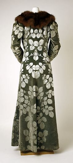 Evening coat (image 2) | House of Worth | French | 1894 | silk, fur | Metropolitan Museum of Art | Accession Number: C.I.61.43