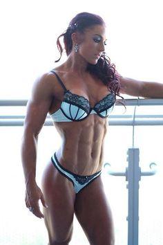 Fitnessmodel zeigt krasse Form