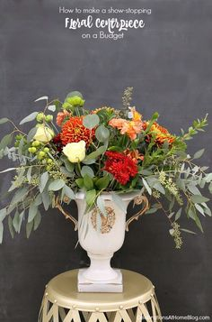 I& sharing the best kept secrets to flower arranging right here. Floral centerpieces for home entertaining and parties, on a budget. Flower Centerpieces, Table Centerpieces, Flower Vases, Unique Centerpieces, Beautiful Flower Arrangements, Floral Arrangements, Beautiful Flowers, Wedding Flower Inspiration, Wedding Flowers