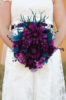 Brisbane wedding photographer, Gold Coast wedding photography, Southern Alberta wedding photos, peacock bouquet, bride, purple wedding