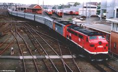 4489 & S311 arrive at Spencer Street with the Melbourne Express, 18/4/92. The Southern Aurora no longer.