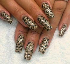 Nail Art Tutorial: Glittery Leopard Spot Nails - Franziska's Negle Lounge - Famous Last Words Leopard Nail Designs, Leopard Nail Art, Leopard Print Nails, Gold Glitter Nails, Bling Acrylic Nails, Best Acrylic Nails, Coffin Nails, Shellac, Nails Only