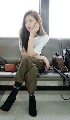 Jennie Kim of BlackPink Kim Jennie, Jennie Kim Tumblr, Blackpink Fashion, Korean Fashion, Fashion Outfits, Fashion History, South Korean Girls, Korean Girl Groups, My Little Beauty